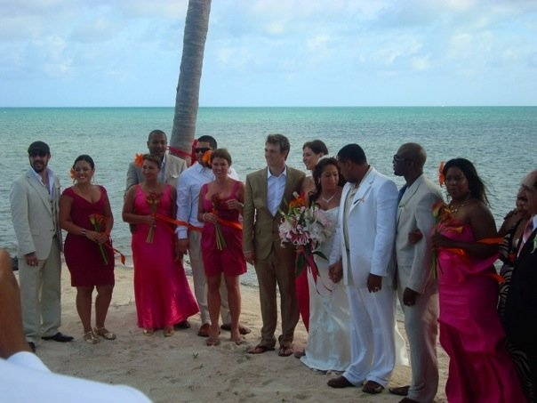 New Pics From Q's Wedding 30554556-1331e73