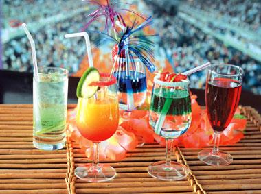 LES THRACIENS ONT UN AN, JOYEUX ANNIVERSAIRE Cocktail237-302e24