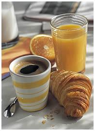 A la vôtre! - Page 2 Cafe_croissant-b6bdc0