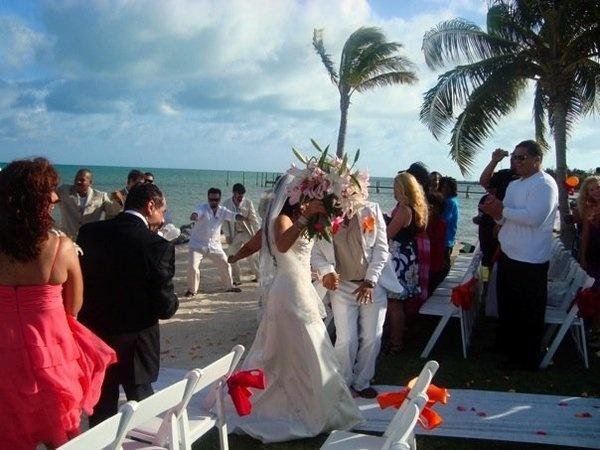 New Pics From Q's Wedding 30554675-1331e7f